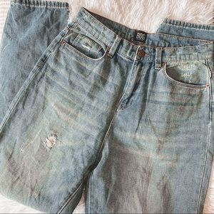 UO BDG Mom hi-rise Jeans medium wash 28